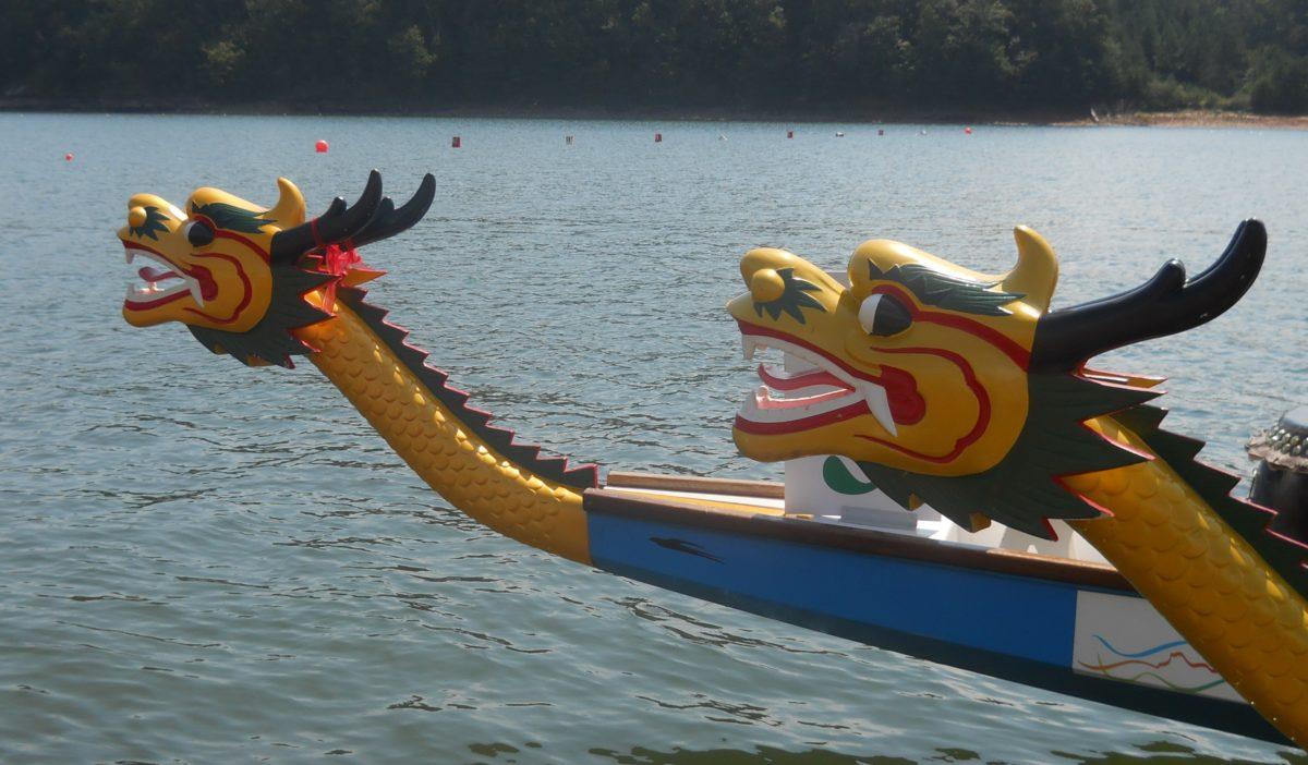 Lanier canoe kayak club hosts dragon boat races lake for Canoe vs kayak fishing