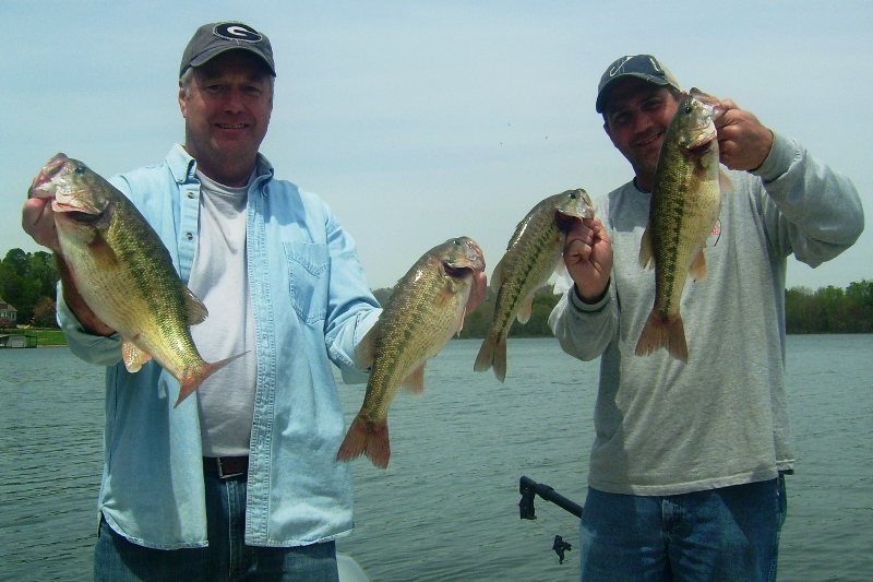 Big fish on guides charters for father 39 s day lake lanier for Lake lanier fishing spots